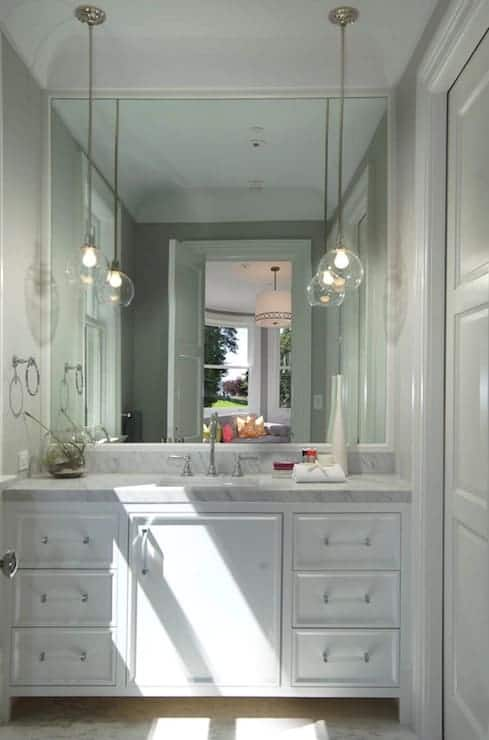 Mini Pendants in the Bathroom: Passing Fad or New Fresh Classic?