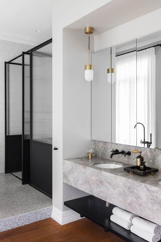 Mini Pendants in the Bathroom: Passing Fad or Fresh Classic?