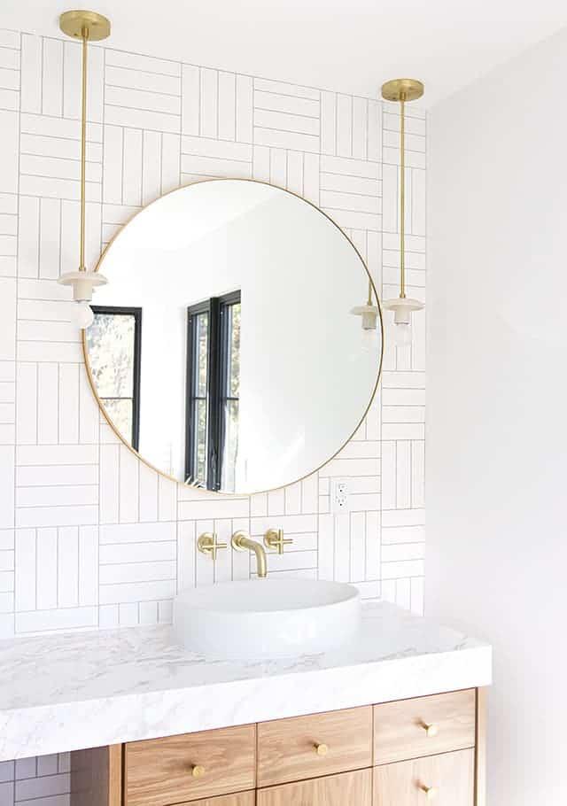 Mini Pendants in the Bathroom: Passing Fad or New Fresh Classic?