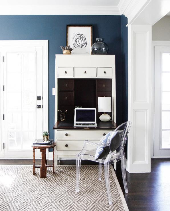 The Perfect Desk Set: Floor Lamps & Secretaries